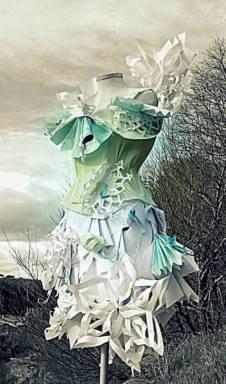Paper dress/Art Instalation